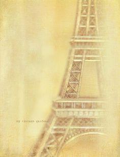 Eiffel Tower Print ~ My Vintage Garden Yellow Art, Pastel Yellow, Shades Of Yellow, Mellow Yellow, Tour Eiffel, Pale Yellow Dresses, Jaune Orange, Colour Board, Color Themes