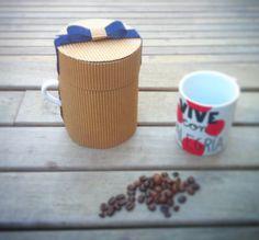 """Coleccion """"¿nos tomamos un café? de packaging para tazas de Kuppis"""