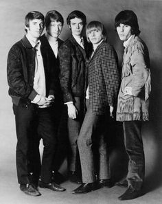 Rock band 'The Yardbirds' pose for a portrait in 1965 Jim McCarty Chris Dreja Paul SamwellSmith Keith Relf Jeff Beck
