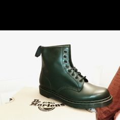 New pair of army green @DrMartens