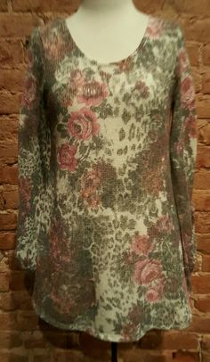 bc8fc761b6 Rose Design Sweater With Back Lace Panel