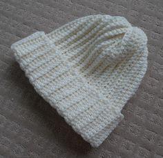 crocheted pom-pom (or not) beanie pattern