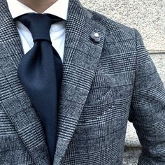 Advice On Buying Fashionable Stylish Clothes – Clothing Looks Der Gentleman, Gentleman Style, Suit Fashion, Mens Fashion, Fashion Outfits, Suit Guide, Blue Suit Men, Suit And Tie, Well Dressed Men