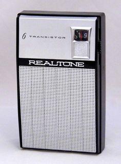https://flic.kr/p/QHqoEd | Vintage Realtone Transistor Radio, Model TR-1628, AM Band Only, 6 Transistors, Made In Japan, Circa 1963