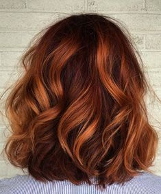 Want to upgrade your hair color? Then you need to try a balayage. Here, 20 gorgeous balayage hair looks that will inspire your next salon visit. Hair Color Auburn, Red Hair Color, Hair Color Balayage, Highlights On Red Hair, Red Hair Lowlights, Auburn Balayage Copper, Deep Auburn Hair, Medium Auburn Hair, Medium Red Hair
