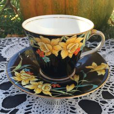 Aynsley Hand Painted Yellow Daffodil and Black Teacup and Saucer set, Art Deco Floral Vintage Tea Cup and Saucer, English China