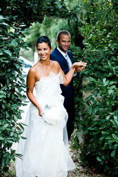 Carla Zampatti wedding dress, simple and elegant with ruffles for a summer wedding in Biarritz
