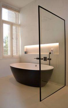 Steel look douchewand op maat gemaakt l Overveld Glas Breda Serene Bathroom, Modern Bathroom Design, Bathroom Interior Design, Master Bathroom, Contemporary Bathrooms, Small Bathroom Storage, Diy Bathroom Decor, Bathroom Layout, Bathroom Ideas