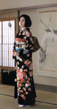 "thekimonogallery: "" Satomi Ishihara in kimono. Image via g2slp of Flickr """
