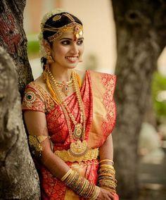 50 Perfect Telugu/ Tamil/ South Indian Bridal looks South Indian Wedding Saree, Indian Bridal Sarees, South Indian Sarees, South Indian Weddings, Indian Silk Sarees, Indian Bridal Makeup, Indian Bridal Wear, South Indian Bride, Bridal Beauty