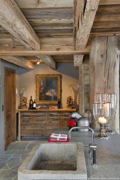 Floor for mud room? Chalet Chic, Chalet Style, Chalet Interior, Interior Design Living Room, Interior Decorating, Swiss Chalet, Mountain Decor, Shabby Chic Farmhouse, Cabins And Cottages