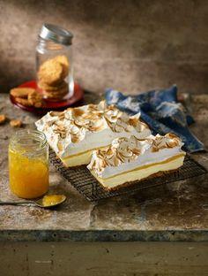 Lemon meringue cheesecake slice recipe - Better Homes and Gardens - Yahoo! New Zealand Köstliche Desserts, Delicious Desserts, Dessert Recipes, Yummy Food, Lemon Meringue Cheesecake, Sweet Recipes, Citrus Recipes, Savoury Recipes, I Love Food