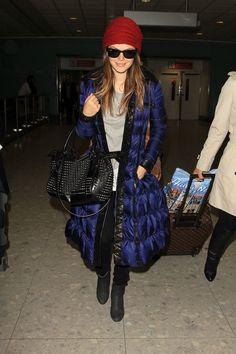 Rachel wraps up warm! Star Pictures d608835af1df3