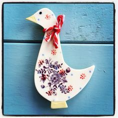 Beautiful little brooch, see more in store or @Kalmondceramics