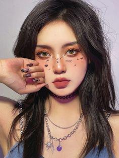 Makeup Inspo, Makeup Inspiration, Classy Makeup, Haircuts Straight Hair, Cute Korean Girl, Digital Art Girl, Korean Makeup, Face Hair, Aesthetic Makeup
