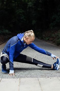 Track or trail, path or pavement — the Nike Women Power Speed Running Tight mixes compression with stretch so your run stays supported while your legs stay loose.