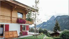 családi ház a svájci Alpokban (Luxusházak, lakások) Cabin, House Styles, Minden, Home Decor, Farmhouse, Decoration Home, Room Decor, Cabins, Cottage