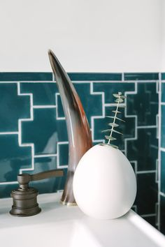 Ways To Use That Room Below Your Stairs Sick Of Subway Tile? Here Are 10 Super-Gorgeous Alternatives White Bathroom Tiles, White Subway Tiles, Gypsy Home Decor, Fireclay Tile, Heath Ceramics, Organic Cleaning Products, Find Furniture, Furniture Design, Mosaic Glass