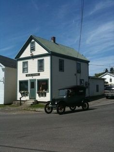 The 'Keag Store in South Thomaston, Maine. Stop in for a lobster roll and a #Moxie and leave with a full belly and a new friend.