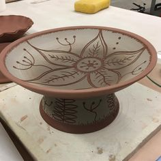 More sgraffito today, day four at series #reddeercollege !!! #sgraffito #redclay #pottery #potsinaction #clayart #ceramics #madeincanada #potteryclass