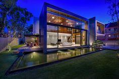 Diseño de casa moderna con piscina