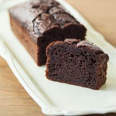 【ケーキが一台焼けたなら】ワンボウルで混ぜるだけ♪ バターを使わない「チョコレートケーキ」 – 北欧、暮らしの道具店
