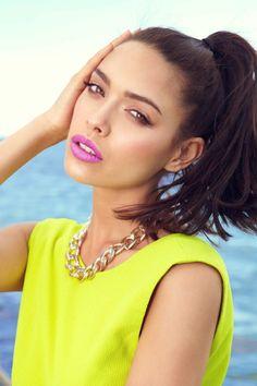neon and purple lips <3