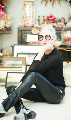 Amelie mature glasses