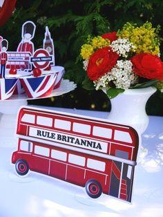 UK London inspired Cupcake Printable Party Decor #PartyIdeas #UK #London #Printables #British #FestaInglesa #Anglaise