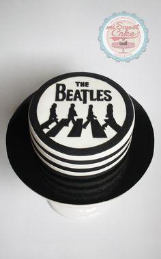 misweetcake ♥ Cake Design: The Beatles Cake / Bolo Beatles https://www.facebook.com/misweetcakedesign/ https://www.instagram.com/misweetcake/