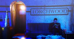 A nice shot of the torchwood base for once... with Ianto, so plus for that.