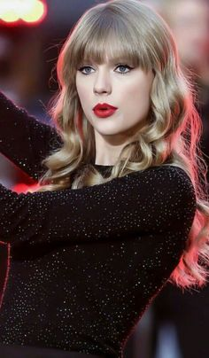 Taylor Swift Hot, Style Taylor Swift, Long Live Taylor Swift, Taylor Swift Album, Red Taylor, Taylor Swift Pictures, Taylor Swift Makeup, Taylor Swift Wallpaper, Red Hair Pictures