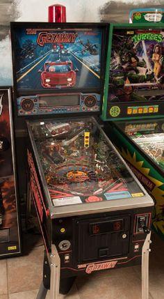 Getaway: High Speed II Pinball Machine