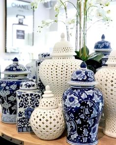 Who loves Ginger Jars as much as we do! We search the globe for the most spectacular handcrafted pieces! Pair them with florals or group… - Furniture Blue And White Vase, Blue Pottery, Chinoiserie Chic, Decorated Jars, Blue Rooms, Ethan Allen, Blue China, Ginger Jars, White Decor