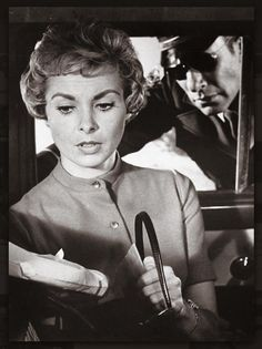 Based on the homonymous novel by Robert Bloch, Psycho is an Alfred Hitchcock classic that centres on the Bates Motel Tony Curtis, Jamie Lee, Vintage Hollywood, Classic Hollywood, Robert Bloch, Janet Leigh, Anthony Perkins, The Late Late Show, Film Images