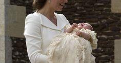 Kate e William chegam com princesa Charlotte para batizado
