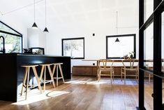 Velg riktige gipsplater til hjemmet ditt - Byggmakker Conference Room, Kitchens, Table, Furniture, Home Decor, Modern, Rome, Decoration Home, Room Decor