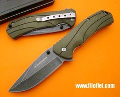Böker Green Liner.  A Folder knife with a 440 steel blade, G10 scales and a liner lock. For under € 15,00! Awesome!