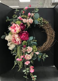 Kranz 50 Fresh Looking Homemade Spring Wreath Decorating Ideas for Front Door - Blumenarrangements im Haus Wreath Crafts, Diy Wreath, Wreath Ideas, Homemade Door Wreaths, Tulle Wreath, Burlap Wreaths, Wreath Making, Grapevine Wreath, Christmas Tree Decorations