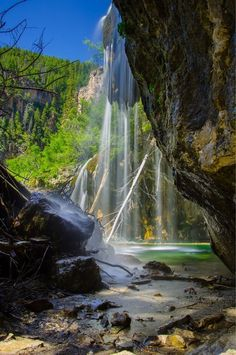 Hanging Lake, Colorado... How did I live   in Colorado for 3 years but I never heard about this place?