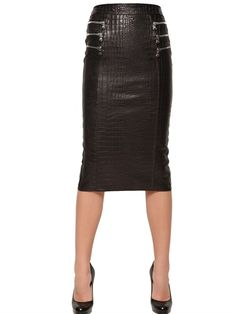 Shop for Croc Embossed Nappa Leather Pencil Skirt at ShopStyle. Skirt Fashion, High Fashion, Fashion Outfits, Rockabilly Fashion, Rockabilly Style, Business Fashion, Business Style, Black Leather Skirts, Luxury Shop