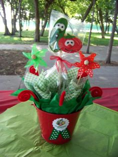 veggie tale birthday - reuse green buckets from ladybug party & make similar centerpieces to these First Birthday Crafts, 2nd Birthday Parties, Boy Birthday, Birthday Ideas, Veggie Tales Birthday, Veggie Tales Party, Minion, Ladybug Party, Veggies