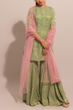 We aspire to create a platform that gives our customers a memorable shopping experience. Custom made and Worldwide shipping Available . Pakistani Bridal Dresses, Pakistani Dress Design, Indian Dresses, Indian Outfits, Pakistani Sharara, Bridal Lehenga, Wedding Dresses, Sharara Designs, Kurti Designs Party Wear
