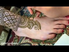 Full bridal mehndi henna feet design द ल हन क प र क ल ए स दर म ह द Leg Mehndi, Foot Henna, Mehndi Tattoo, Henna Mehndi, Mehendi, Henna Designs Feet, Legs Mehndi Design, Bridal Mehndi Designs, Wedding Mehndi
