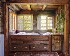 Rustic Box Bed via Elle Decor.seems the bed is a little high for climbing in to, but otherwise nice little bed nook Bed Nook, Cozy Nook, Alcove Bed, Cozy Corner, Cama Box, Interior And Exterior, Interior Design, Box Bed, Rustic Bedding