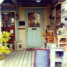 今日は久しぶりに外ランチ相変わらず可愛い水色のドア♡ Outdoor Decor, Shop, Photography, Instagram, Photograph, Fotografie, Photoshoot, Store, Fotografia