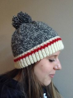 Keep Me Warm hat pattern by Anne GagnonThis is a classic tuque with the wool sock design worked into it. The look is very popular and adults, teens as well as children love it. Loom Knitting, Knitting Stitches, Knitting Socks, Knitting Patterns Free, Knit Patterns, Free Knitting, Knitted Hats, Free Pattern, Knitting Scarves