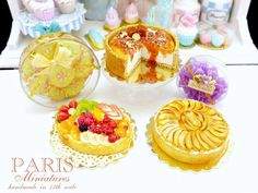 Cookies Cheesecake Berlingots (French candy) Fruit tart Apple tart
