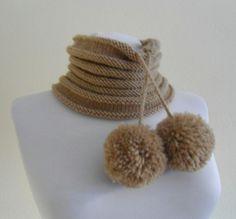 neckwarmers unisex camello sombrero gorrita tejida por likeknitting