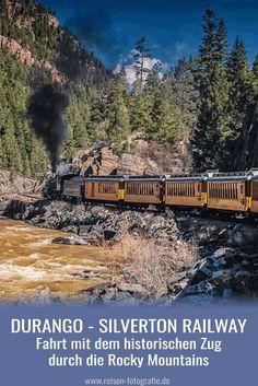 Colorado: Fahrt mit der Durango Silverton Railway durch die Berge der Rocky Mountains mit einer alten Dampflok am Anfang des Zuges. Ein Ausflug, den man unbedingt machen sollte.
